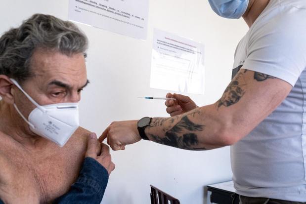 L'EMA enquête également sur un deuxième effet secondaire possible du vaccin d'AstraZeneca