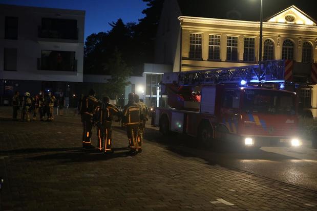 Brandweer rukt uit voor mysterieuze rookontwikkeling in WZC Sint-Jozef in Moorsele
