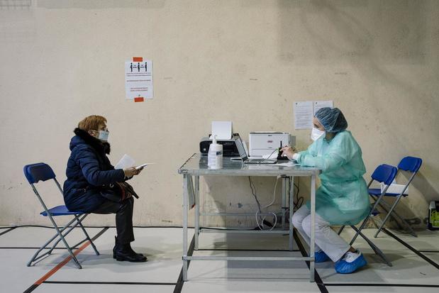 """""""Les 100.000 masques commandés pas adaptés pour les patients atteints du coronavirus"""""""