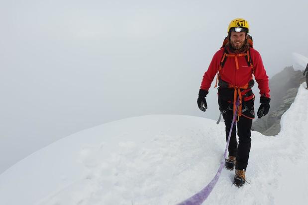 Twee West-Vlaamse deelnemers Kamp Waes beklimmen de moeilijkste berg van Europa