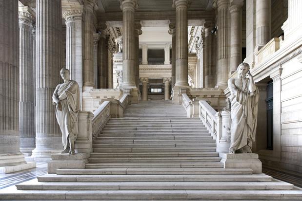 'Belgen stappen te vaak naar de rechter'
