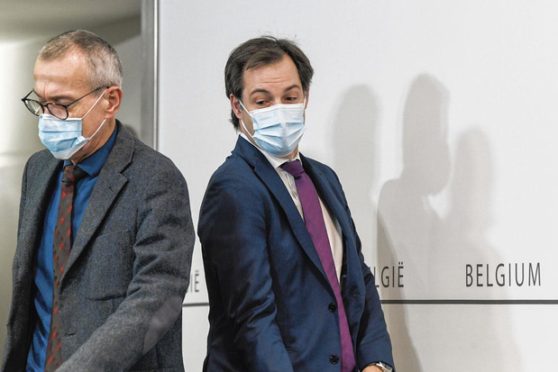 Pendant la pandémie, la lutte des places continue