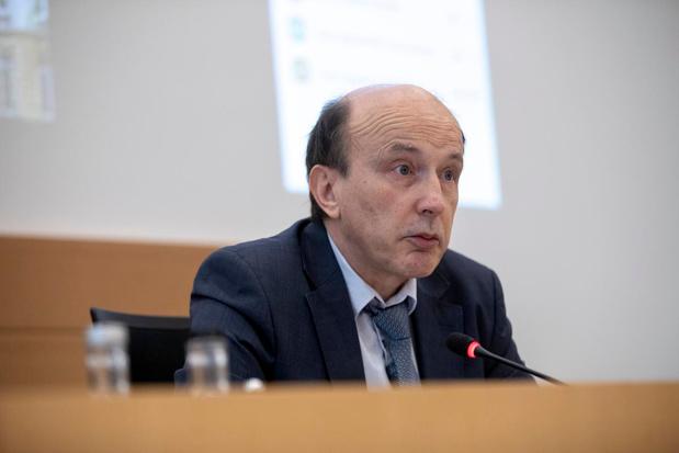"""Commission Covid-19 : """"La reconstitution d'un stock stratégique de masques était une préoccupation depuis juin 2018"""""""