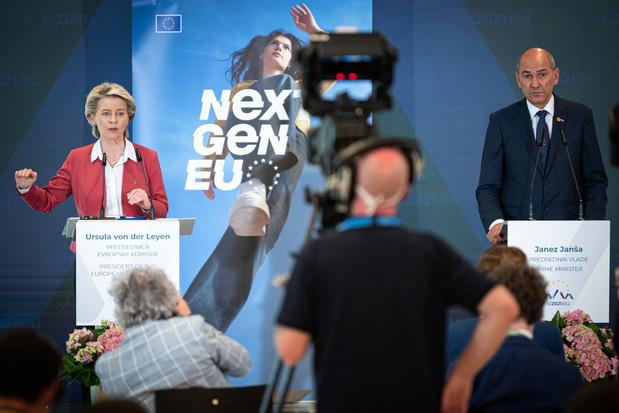 Vicevoorzitter Europese Commissie woedend op Sloveense premier om 'lasterlijke' foto