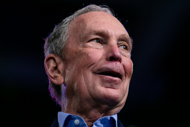 Michael Bloomberg zet campagne stop en steunt Biden