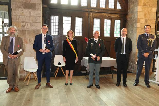 Uitreiking medailles Orde van het Britse Rijk in Ieper