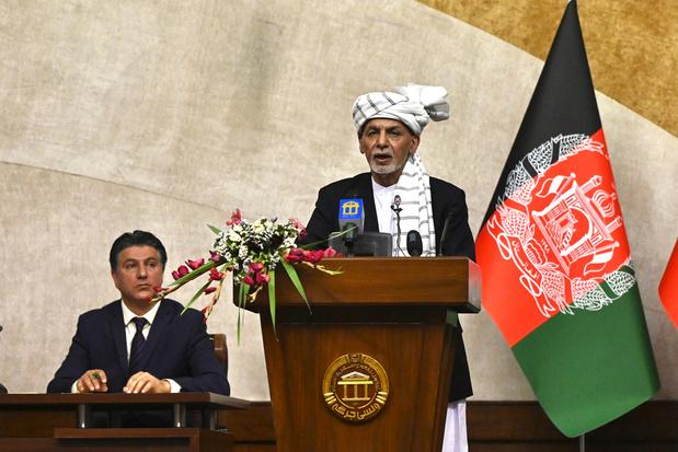 Afghaanse president wijt verslechterende militaire situatie aan 'abrupte' terugtrekking VS