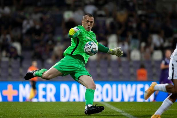Clubnieuws: corona bij Danny Vukovic, El Hadj langer bij Anderlecht en twee spelers van Norwich voor Waasland-Beveren