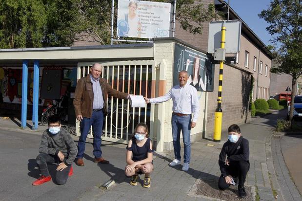 Sint-Godelievecollege krijgt 100 mondmaskers van lokale handelaar