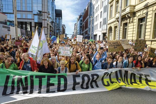 Emissions de CO2: le Parlement européen adopte sa stratégie climat