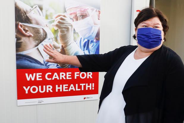 Een jaar na de uitbraak van de coronacrisis: toenmalig minister Maggie De Block pleit zichzelf vrij