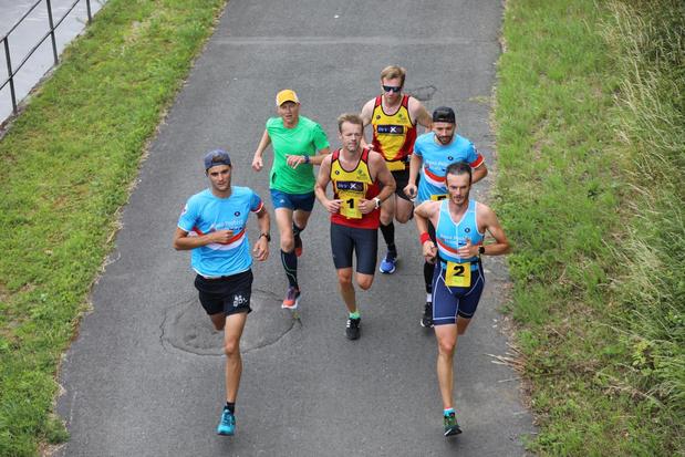 Drietal loopt marathon langs de Leie