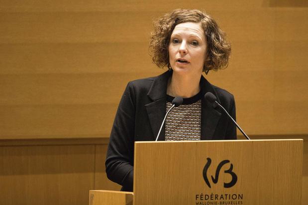Politique à la loupe: remède communal aux embouteillages, une proposition de décret de Marie-Martine Schyns (cdH)