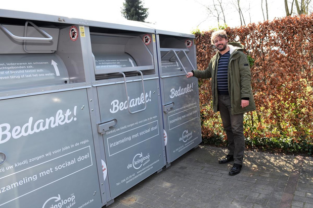 Stad Harelbeke groepeert kledingcontainers