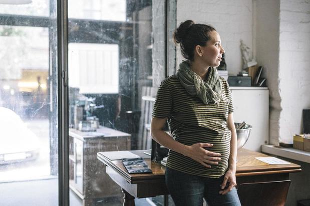 Covid: les femmes enceintes sous surveillance renforcée