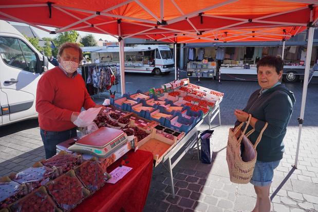 Klanten en marktkramers tevreden over maandagmarkt