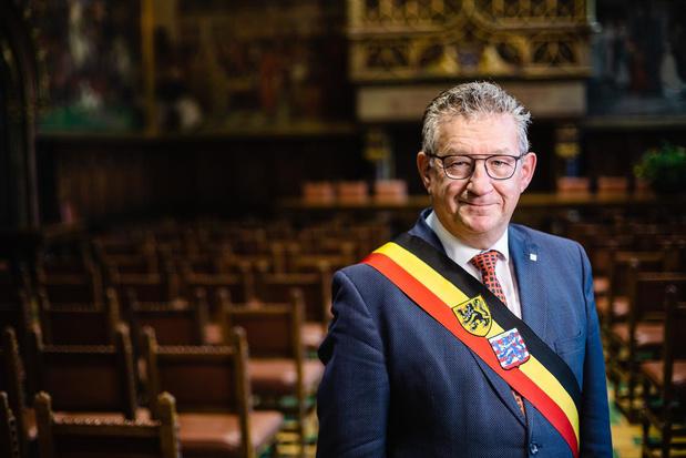"""Dirk De fauw reageert na steekpartij: """"Hopelijk snel weer aan de slag"""""""