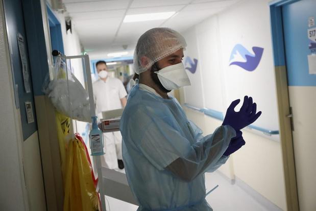 Un peu moins d'admissions à l'hôpital, taux de reproduction en dessous de 1, augmentation des morts journalières