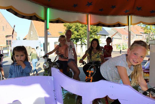 """Half augustus toch kermis in Oudenburg: """"Onze kinderen toch wat plezier gunnen"""""""