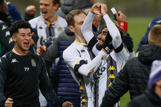 Charleroi pakt in extremis de volle buit tegen Anderlecht