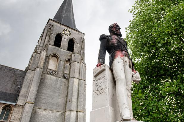 Leopold II valt van sokkel, maar bestuur sluit terugkeer standbeeld niet uit
