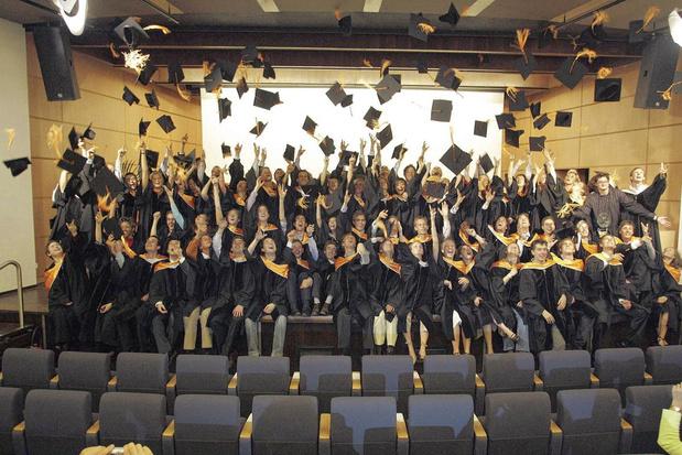 Trop diplômés pour le marché du travail: le doctorat est-il un sésame pour décrocher un job ?