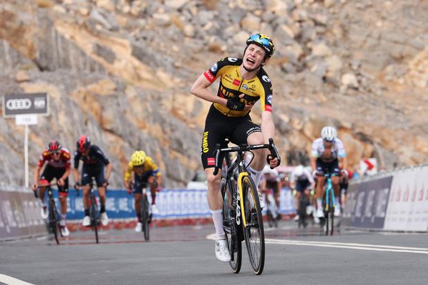 Jonas Vingegaard wint vijfde rit in UAE Tour, Tadej Pogacar blijft leider