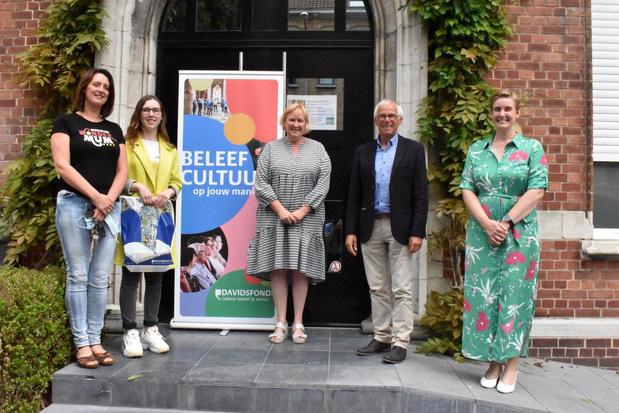 Charlotte Engelhard is Junior Journalist West-Vlaanderen met verhaal 'De Bloemenmeisjes'