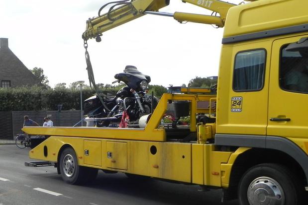 Motorrijder gewond na aanrijding door auto