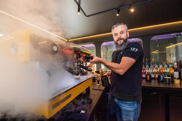 """West-Vlaamse koffieketen barst van ambitie: """"IzyCoffee moet Starbucks van Europa worden"""""""
