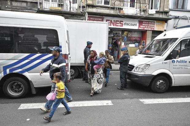 """""""Le dialogue est la première arme"""" de la police"""