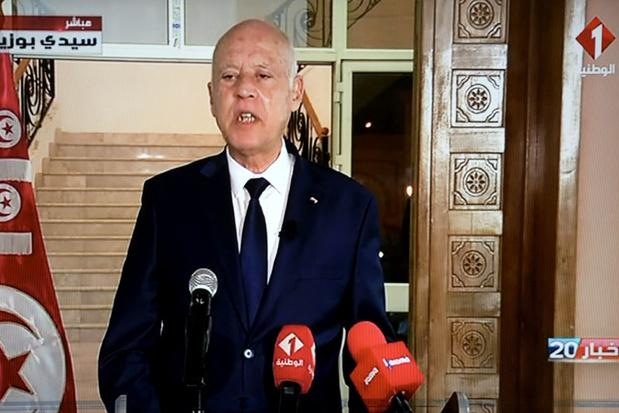 Tunesische president vergroot eigen macht