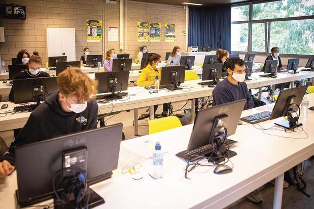 Toelatingsexamen 2020: digitaal en verspreid