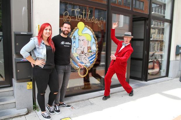 Björn en Kim openen tattooshop in Oostende, buurman Herr Seele steekt een handje toe