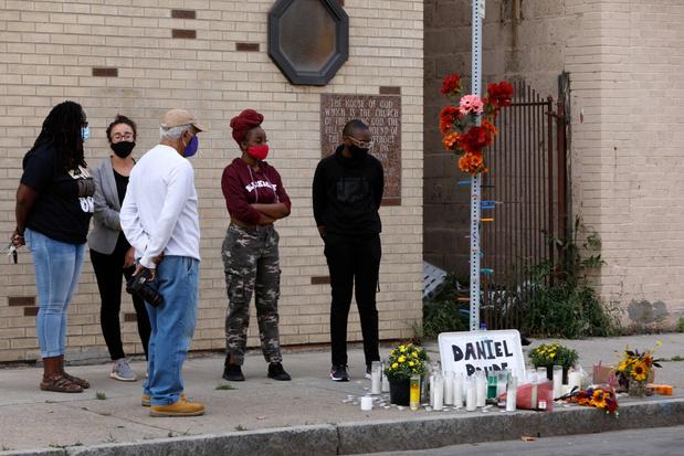 Beelden uit VS tonen hoe zwarte man stikt bij arrestatie