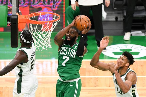 Boston Celtics kloppen Milwaukee Bucks na thriller van formaat