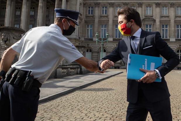 'Stel dat er tegen oktober geen regering gevormd wordt, wie gaat de ploeg-Wilmès dan wegstemmen?'