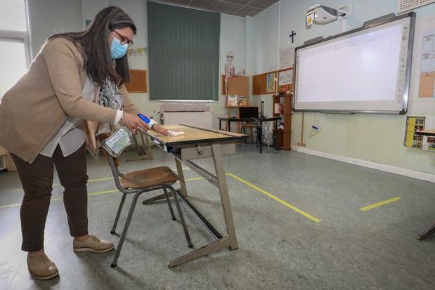 """'Bescherm leerlingen en leerkrachten tegen corona: drie suggesties om een """"onderwijsgolf"""" te vermijden'"""