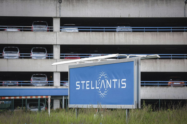 Stellantis réorganise son réseau de vente