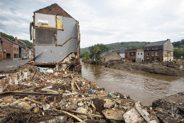 """Spécial Inondations: """"Des décisions fortes doivent être prises"""" en termes d'urbanisation"""