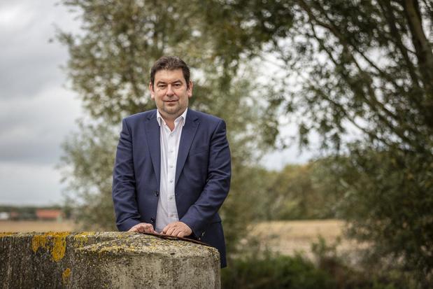 Bart Dochy houdt contact met inwoners Ledegem via live chat