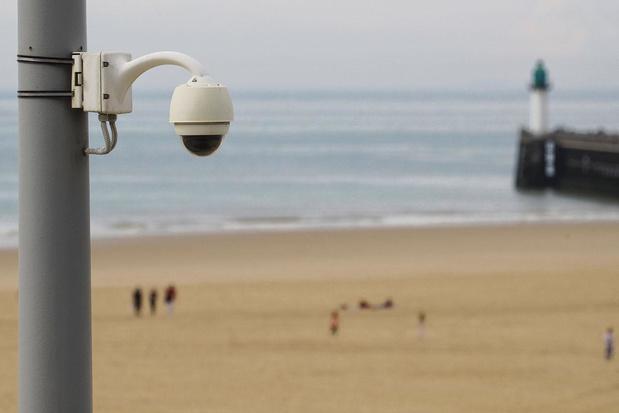 Traçage et surveillance: big data à la plage