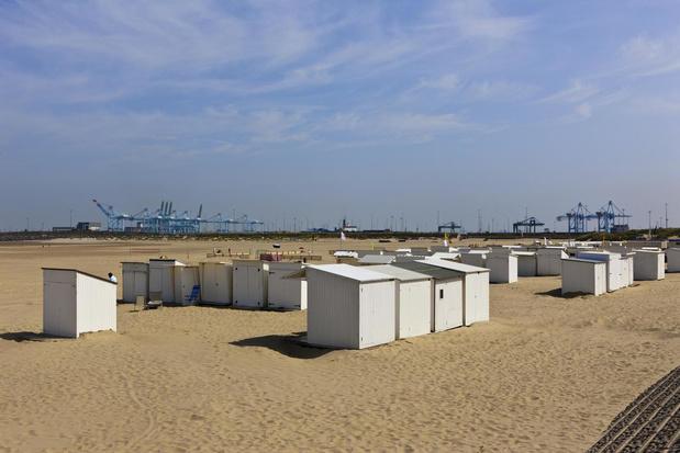 Ondergrondse energiekabels doen 200 strandcabines in Zeebrugge verhuizen