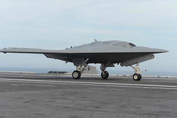 'Bijna onvermijdelijk dat brute oorlogvoering en spitstechnologie steeds meer samengaan'