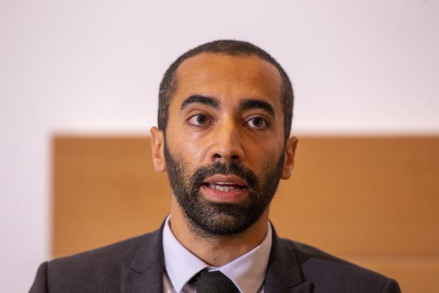 Sammy Mahdi: 'Meewerken aan onderzoek kan slachtoffers uitbuiting aan wettig verblijf helpen'