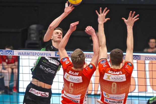 Menen naar play-downs na non-match in Maaseik