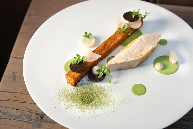 Zwartpootkip met knolselder, truffel en polderardappel
