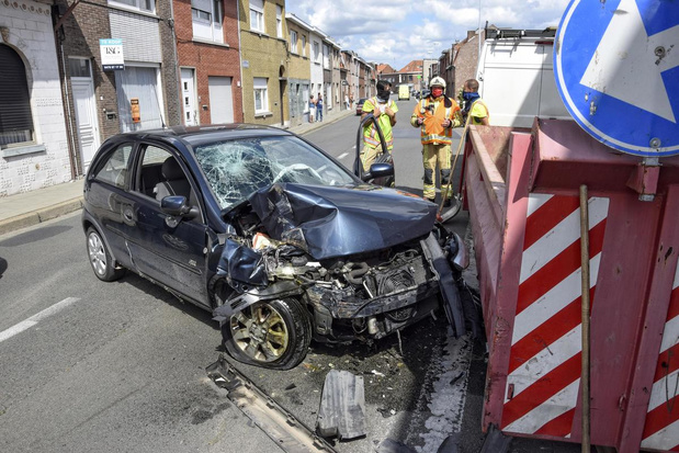 Zwangere vrouw lichtgewond na zwaar ongeval in Geluwestraat in Wervik
