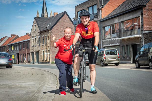 Stadens burgemeester Francesco Vanderjeugd fietst voor overleden moeder naar Lourdes