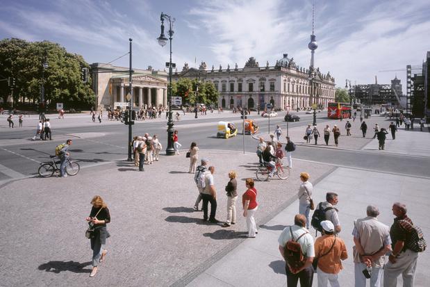 Berlijnse boulevard Unter den Linden krijgt makeover: minder auto's, meer groen